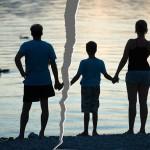 Как заменить фамилию ребенка при разводе