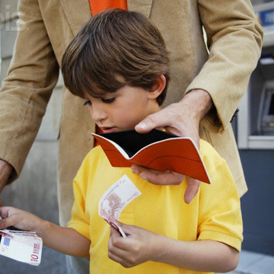 до какого возраста ребенку положено платить алименты