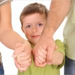 Усыновить, опекать и попечительствовать: в чем разница и что общее?